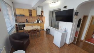 Apartment for rent in Cluj-Napoca, in the center of the city, close to the University of Medicine and Pharmacy and the University Babeș-Bolyai Video