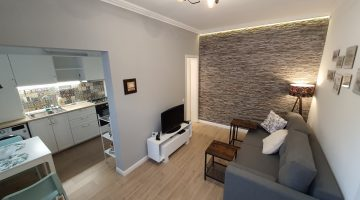 Apartment for rent in Cluj, near the University of Medicine and Pharmacy and the University of Veterinary Medicine, Moților street, with bedroom, livingroom with kitchen and bathroom Video