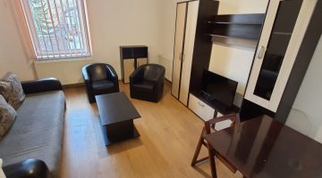 Apartment for rent in Cluj, near the University of Medicine and Pharmacy, Eroilor street no. 1, with bedroom, livingroom, kitchen and bathroom Video