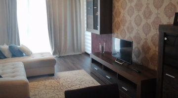 Luxury apartment for rent in Cluj, near the University of Medicine and Pharmacy and the University of Veterinary Medicine, in Platinia shopping center, living room and bedroom Video